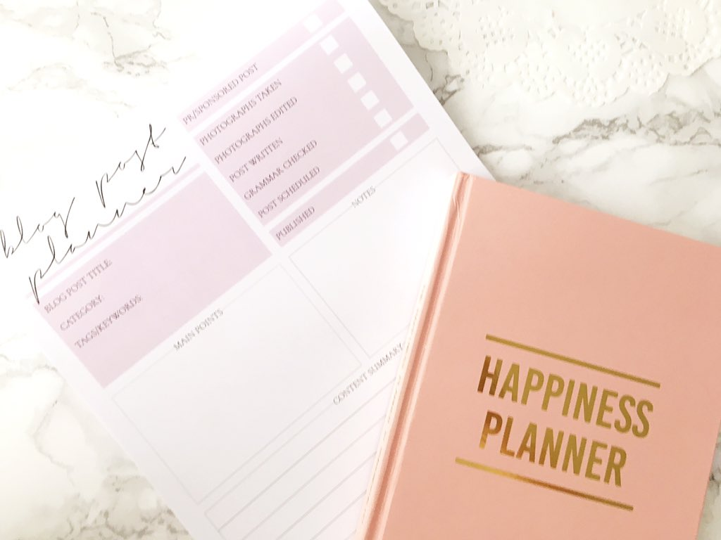 PaperChicCo Happiness Planner